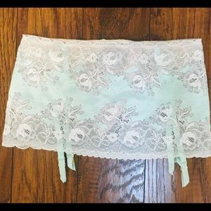 Victoria's Section Crystal Garter Skirt Medium
